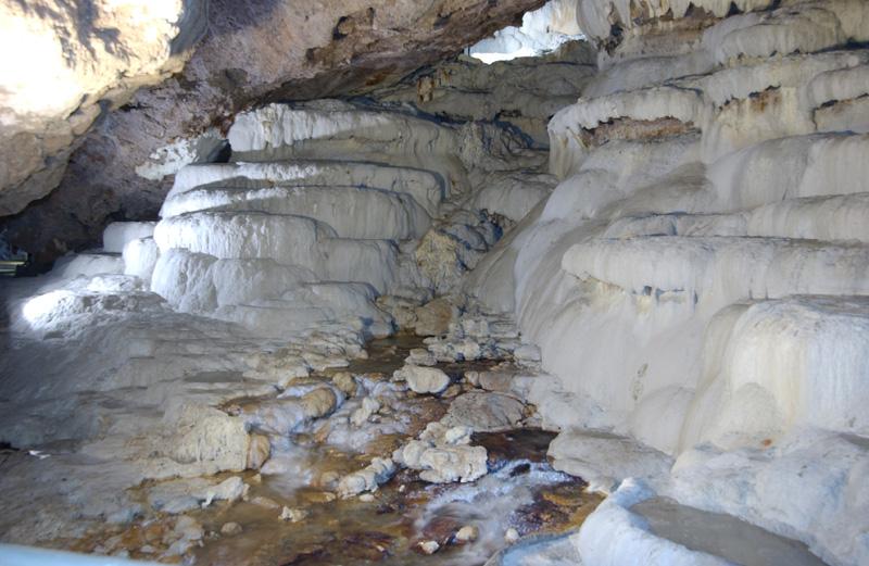 Yer altındaki gizli Pamukkale ; Kaklık Mağarası