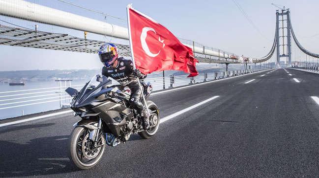 Kenan Sofuoğlu Osmangazi Köprüsü'nde 400 Kilometre Hıza Ulaştı
