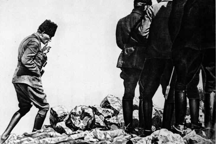 Mustafa Kemal Paşa Kocatepe sırtlarında