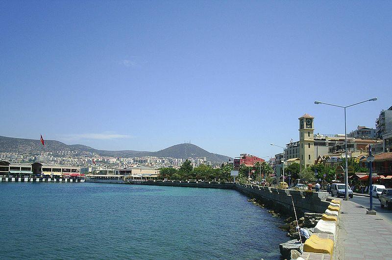 Kentin kıyılarından bir görünüm