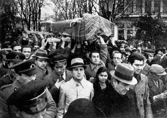 Mehmet Âkif Ersoy'un cenazesi (28 Aralık 1936)