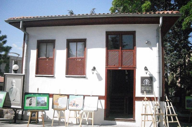 Mehmet Akif Ersoy Müze Evi, Kurtuluş Savaşı yıllarında Ankara'da ikamet ettiği ve İstiklâl Marşı başta olmak üzere çok sayıda şiirini yazdığı müzeye dönüştürülmüş Ankara evidir.