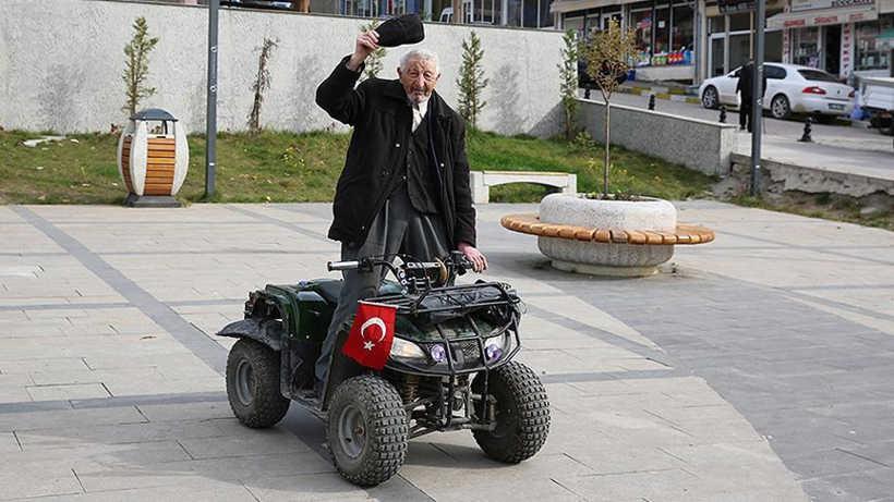 """107 Yaşındaki Ordulu Mehmet Dede: """"Tek Rakibim Kenan Sofuoğlu"""""""