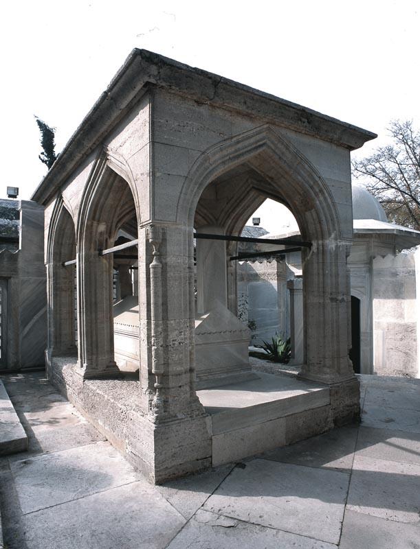 Sinan'ın  mütevazi mezarı