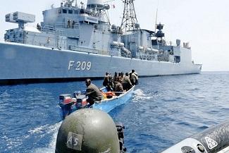 Somali korsanları saldırı halinde