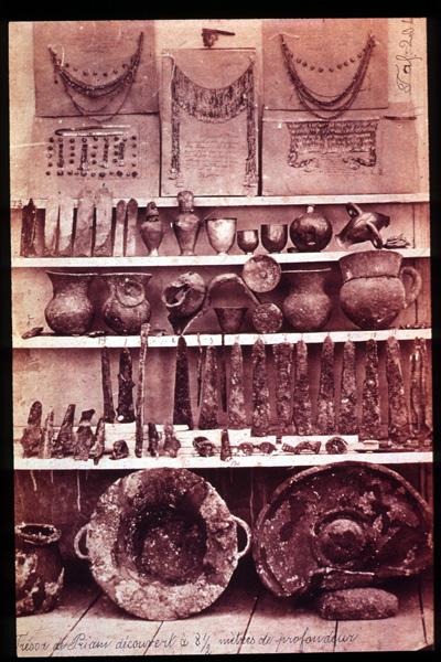 Troya'da ele geçen bazı buluntular
