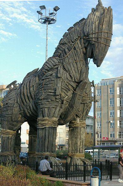 Troy filmindeki Truva atı
