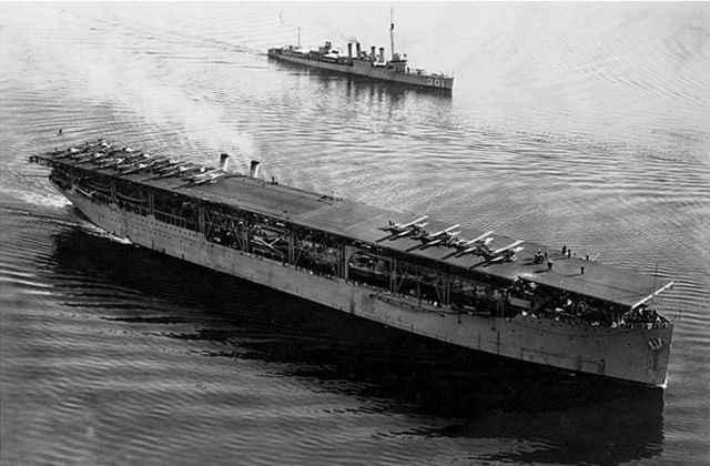 USS Langley (CV-1)<br /> (1920'de hizmete girdi, Birleşik Devletler)